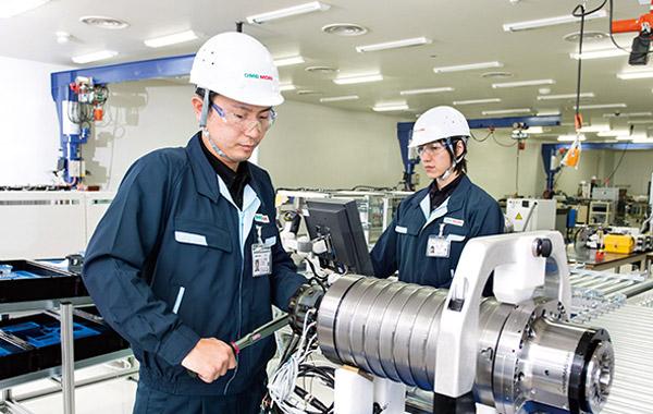 Tuyển dụng kỹ sư quản lý máy móc tại Nhật Bản